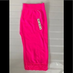 NWT Poof! Hot pink short stretch lace hem leggings